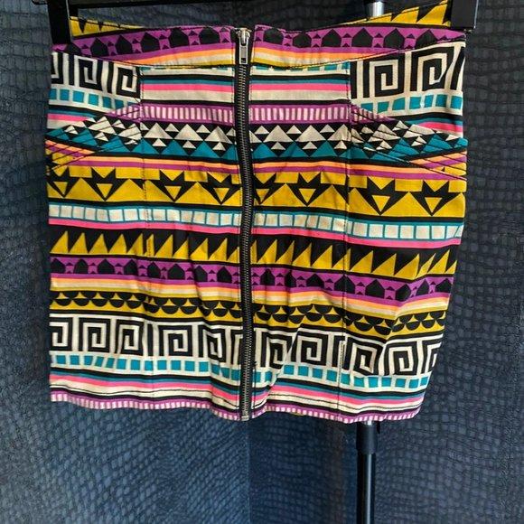 Aztec Print mini skirt